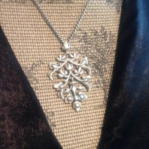 Jewelry - Beautiful Brushed Silver-toned Damask Necklace